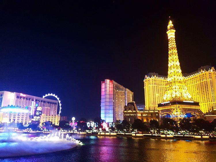 Espectáculo de luces y agua en el hotel Bellagio