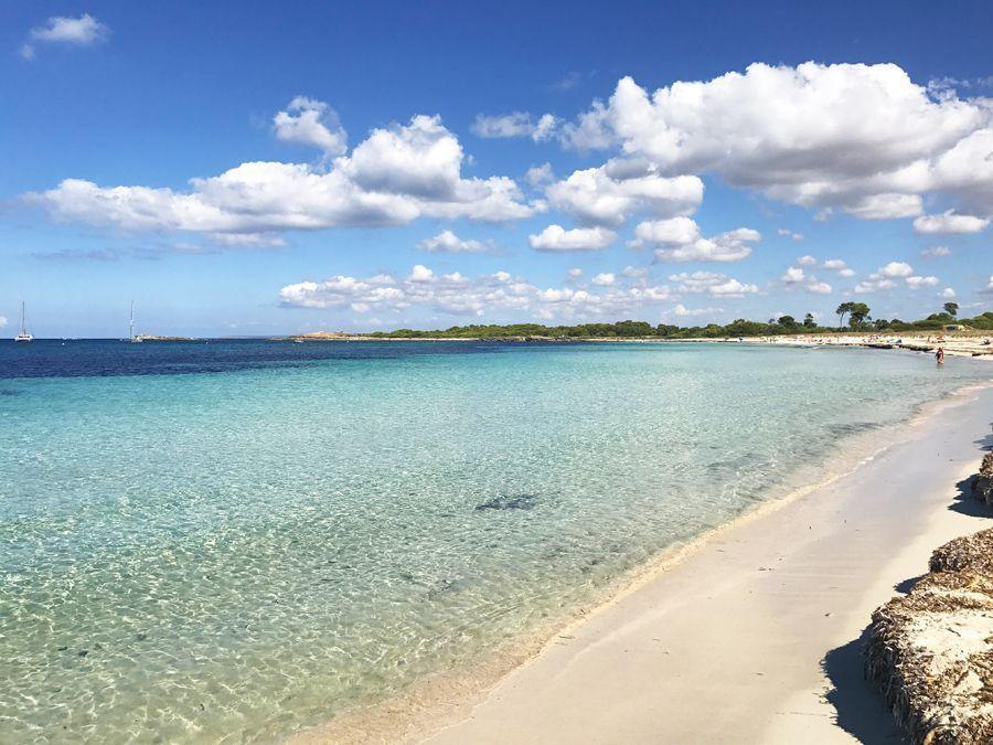 Una de nuestras playas favoritas de Mallorca y un imprescindibles entre las 20 mejores playas y calas de Mallorca
