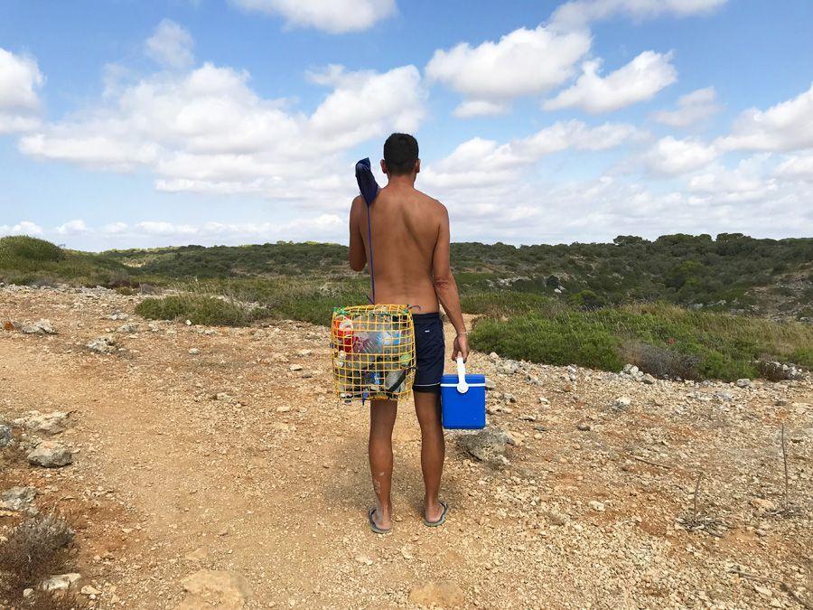 Recoger basura siempre es un buen gesto con el medio ambiente y debería ser un imprescindible que ver y hacer en Mallorca