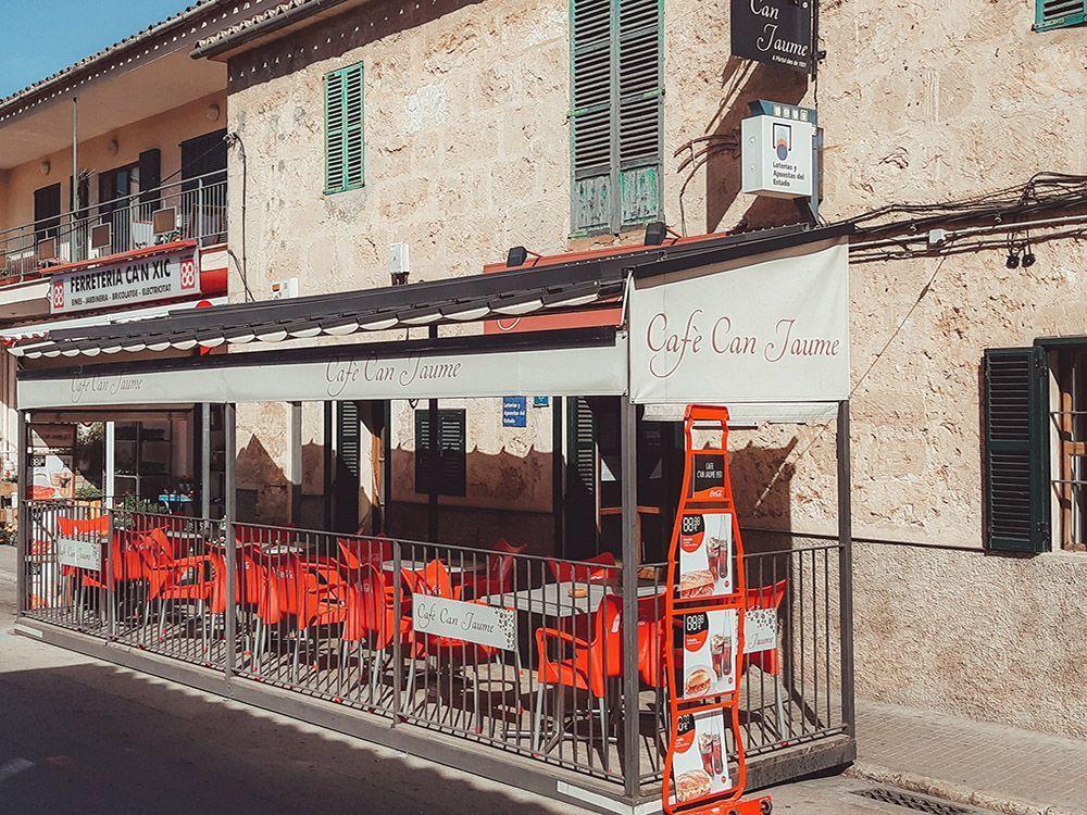 Los mejores llonguets de Mallorca los encuentras en el Café Can Jaume