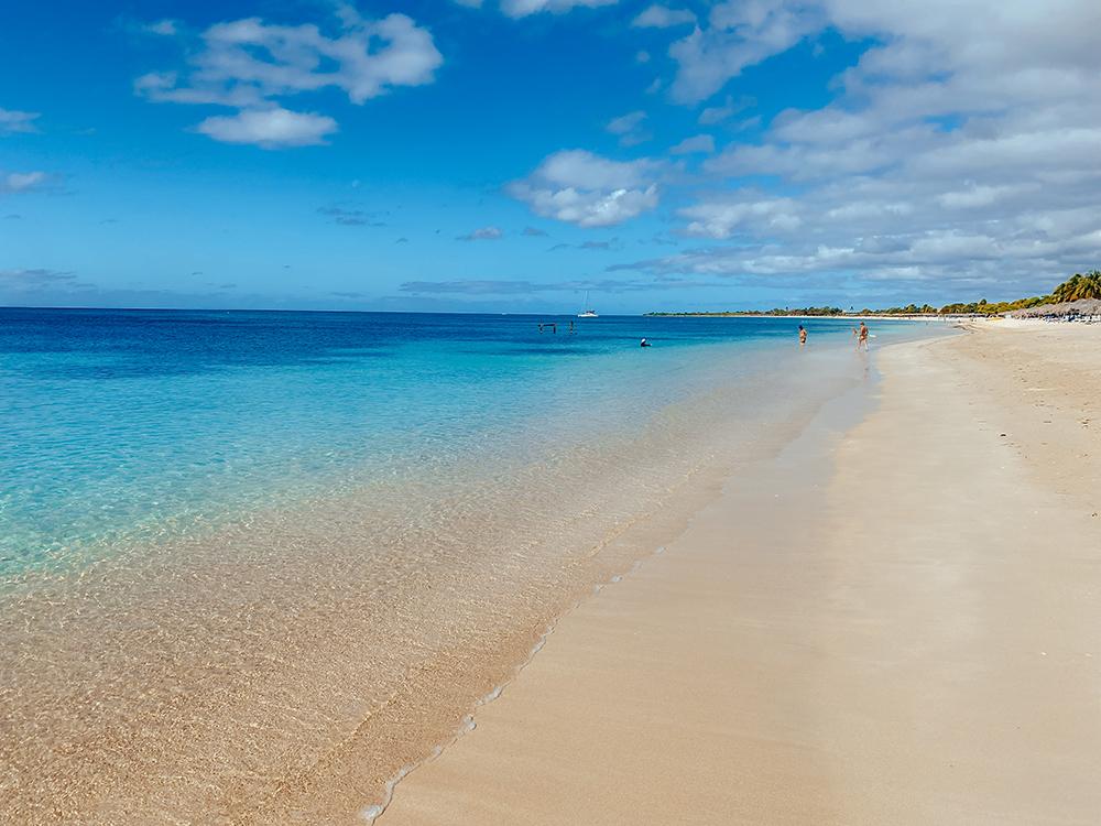 La fabulosa Playa Ancón, muy limpia y tranquila