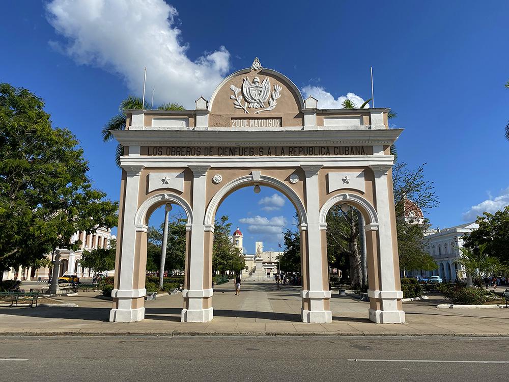 Arco de Triunfo en la plaza de Jose Martí