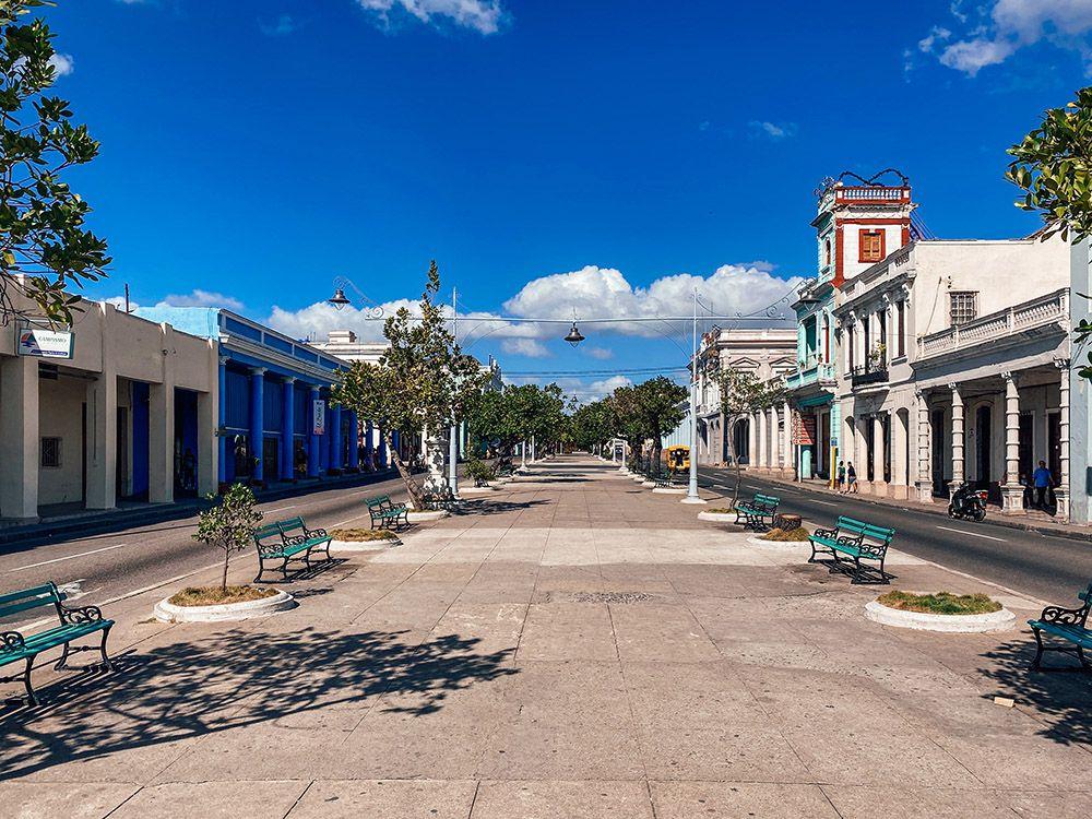 Paseo Del Prado sin apenas gente