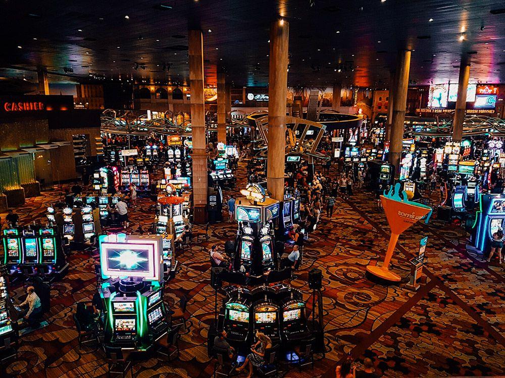 Uno de los famosos casinos llenos de máquinas tragaperras o Slots