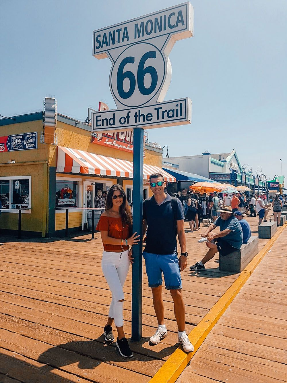Muelle de Santa Monica, con la señal del final de la ruta 66