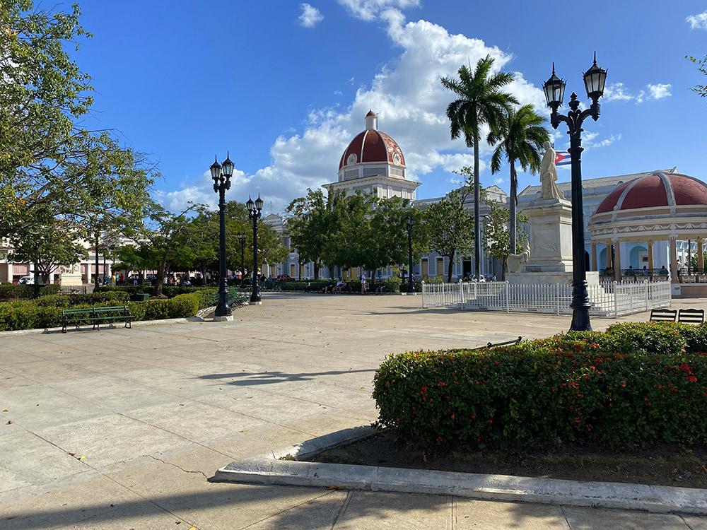 Plaza de Jose Marti en Cienfuegos, Cuba