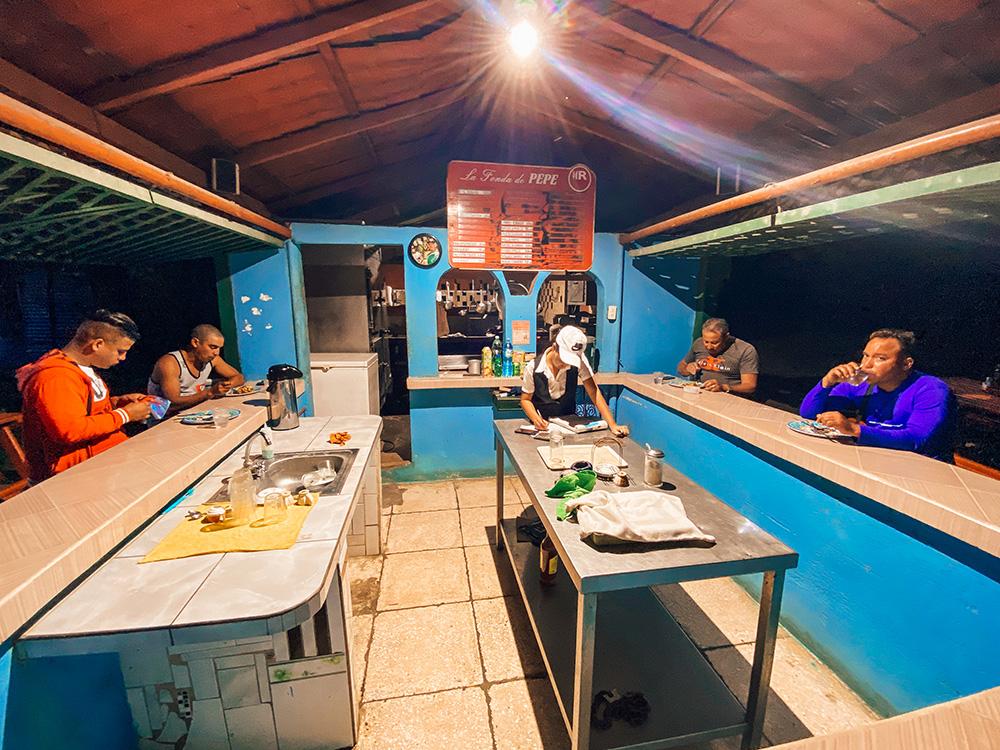 Restaurante local en Guardalavaca