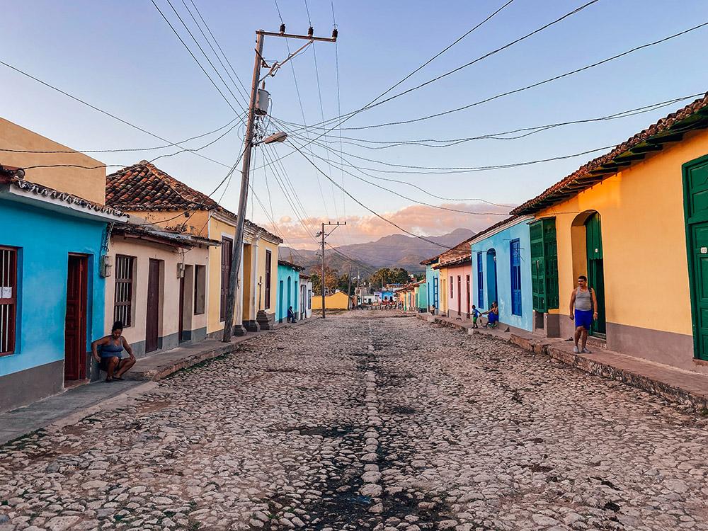 Una de las calles que has de visitar cuando viajas a Trinidad