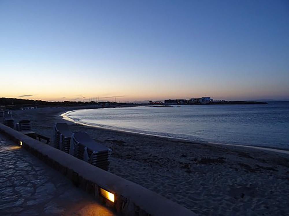 Playa Es Pujols al atardecer
