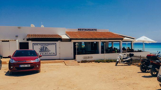 Portada de post de dónde comer en Formentera bien y barato