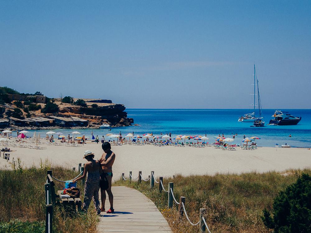 Cala Saona, uno de los mejores lugares donde alojarse en Formentera