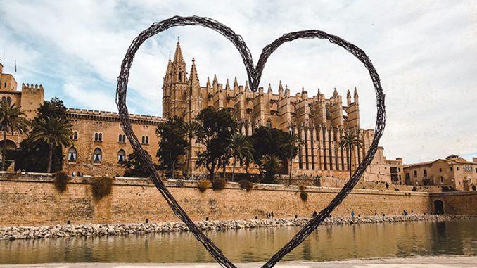 Portada de dónde alojarse en Mallorca