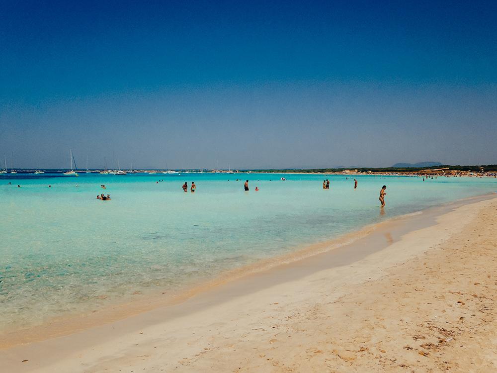 La Playa d'Es Trenc es una de las mejores playas y calas de Mallorca