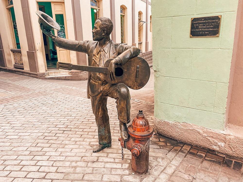Estatua en el centro de la ciudad De Santiago de Cuba