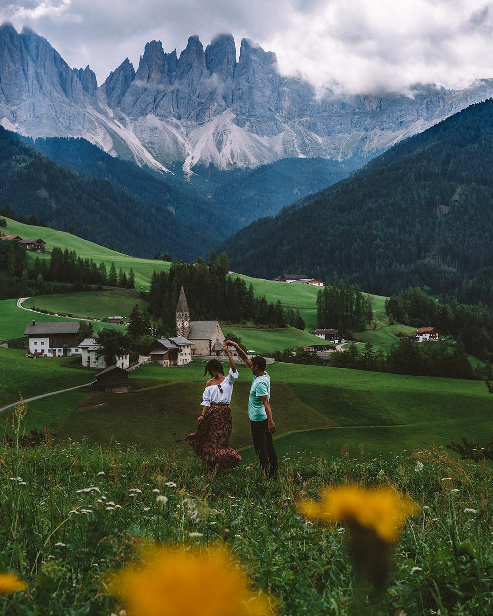 No puedes irte de Dolomitas sin visitar esta iglesia, es muy bonita