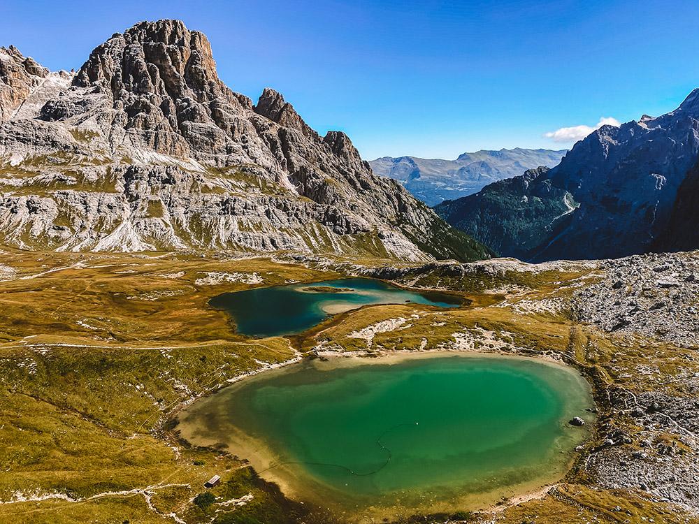 Impresionantes lagos cerca del refugio Locatelli