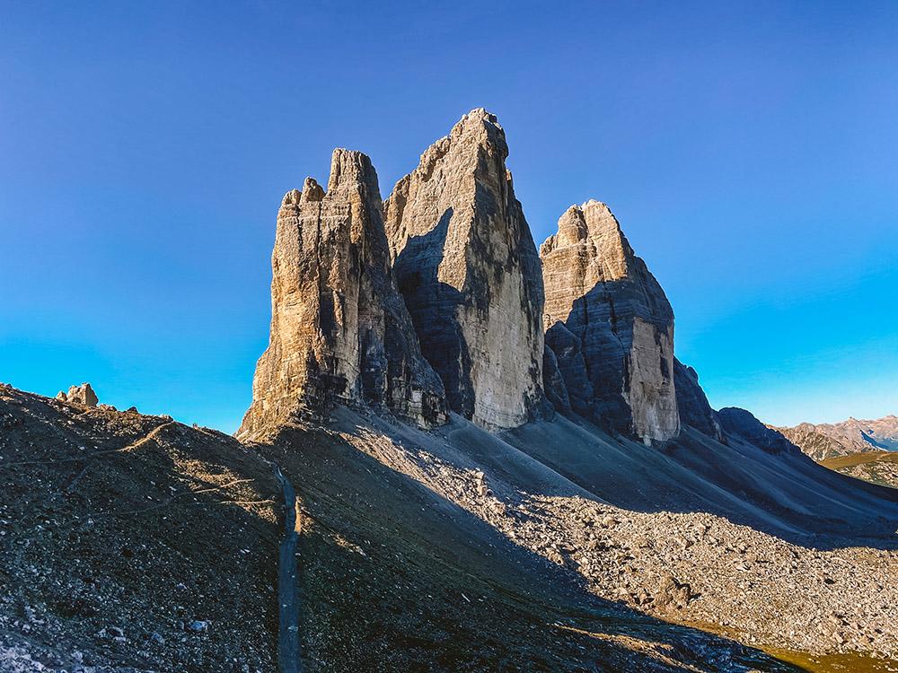 Tre Cime di Lavaredo es la excursión más famosa de la ruta de viaje a Dolomitas