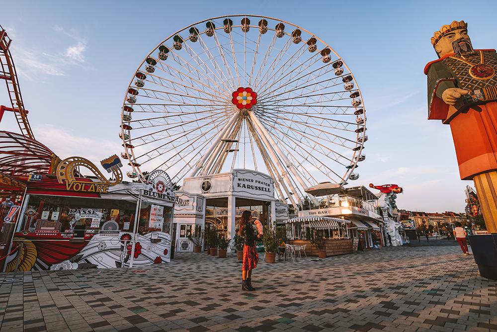 Visitar el parque de atracciones es otro de los imprescindibles que ver en Viena