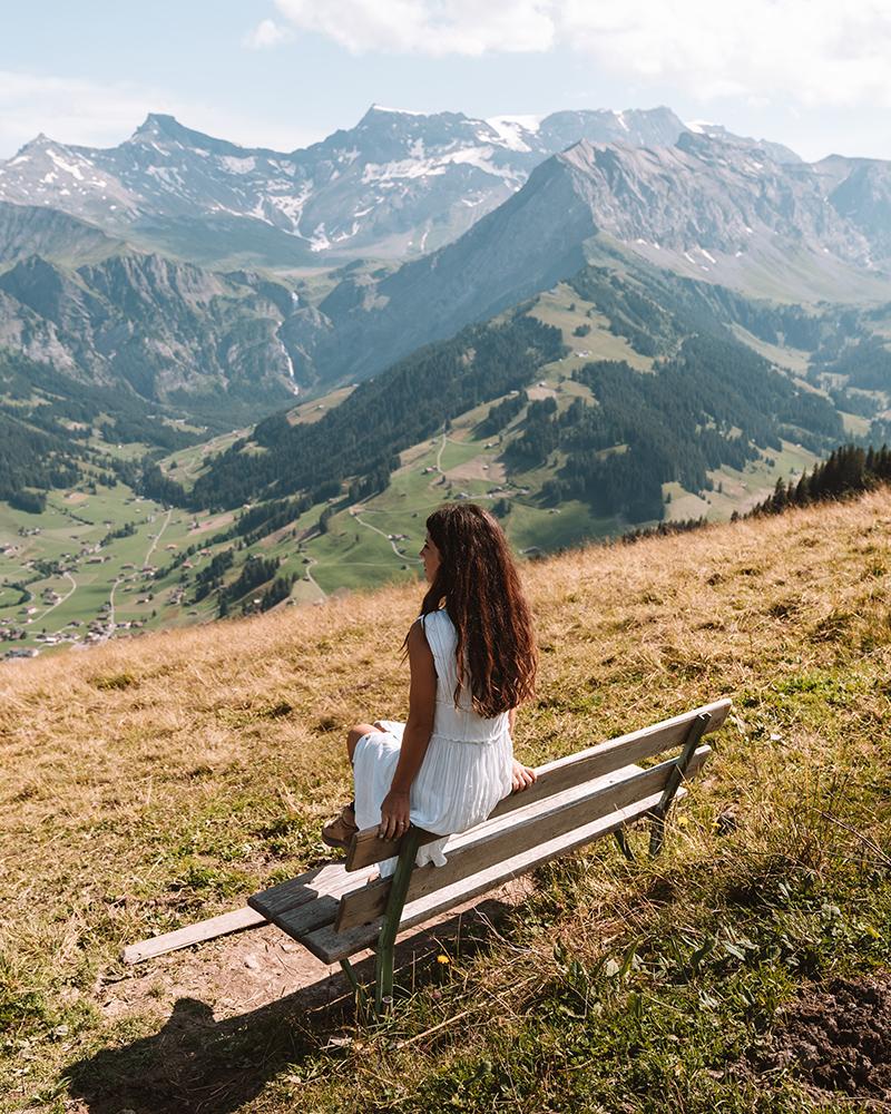 Pasear por los alrededores es uno de los imprescindibles que ver en Adelboden