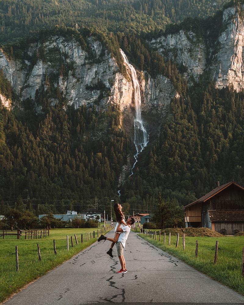 Pasaras por delante en tu ruta de viaje por Suiza, así que este es otro de los  imprescindibles que ver en Suiza