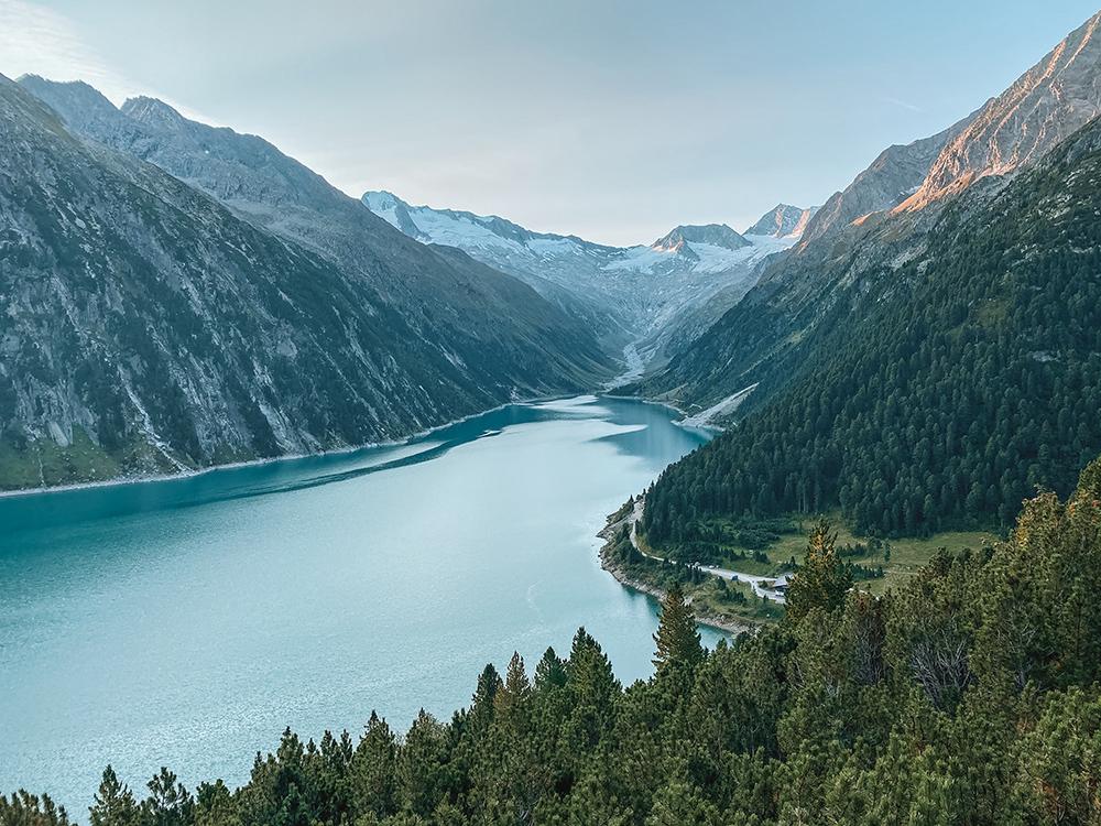 Vistas del trekking de camino al refugio de Olpererhütte